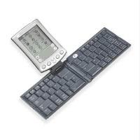 Рис. 9. Logitech KeyCase и TypeAway Keyboard
