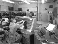 Рис. 13. UNIVAC 1 (Universal Automatic Computer)